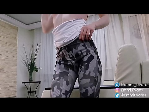 Teases her ass in military pants, pulls them down and jerks off 5 min